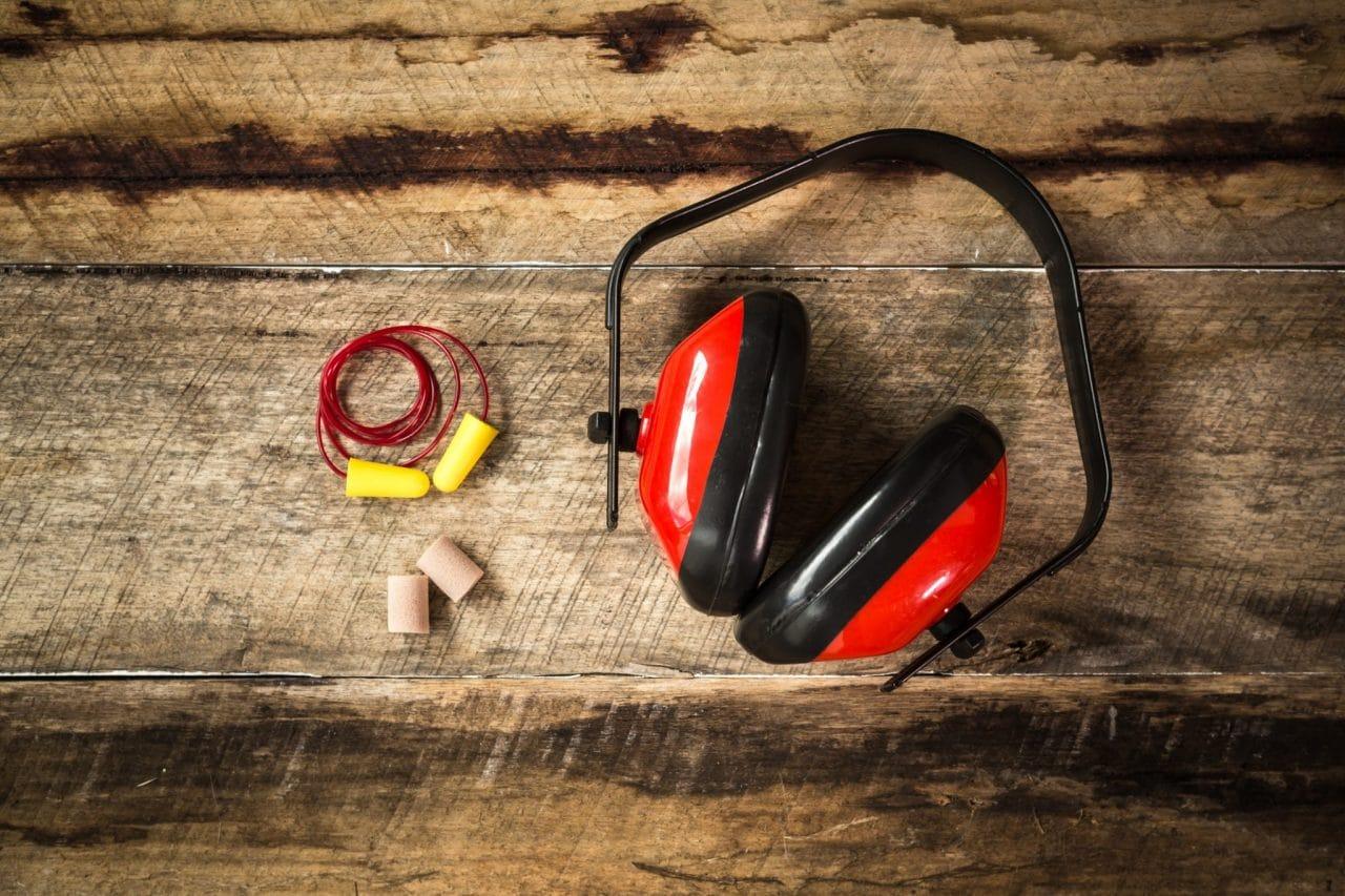 Protective hearing equipment: earplugs and headphones